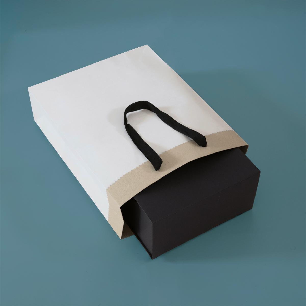 Luxe papieren tassen van gerecycled wit/bruin duplex papier