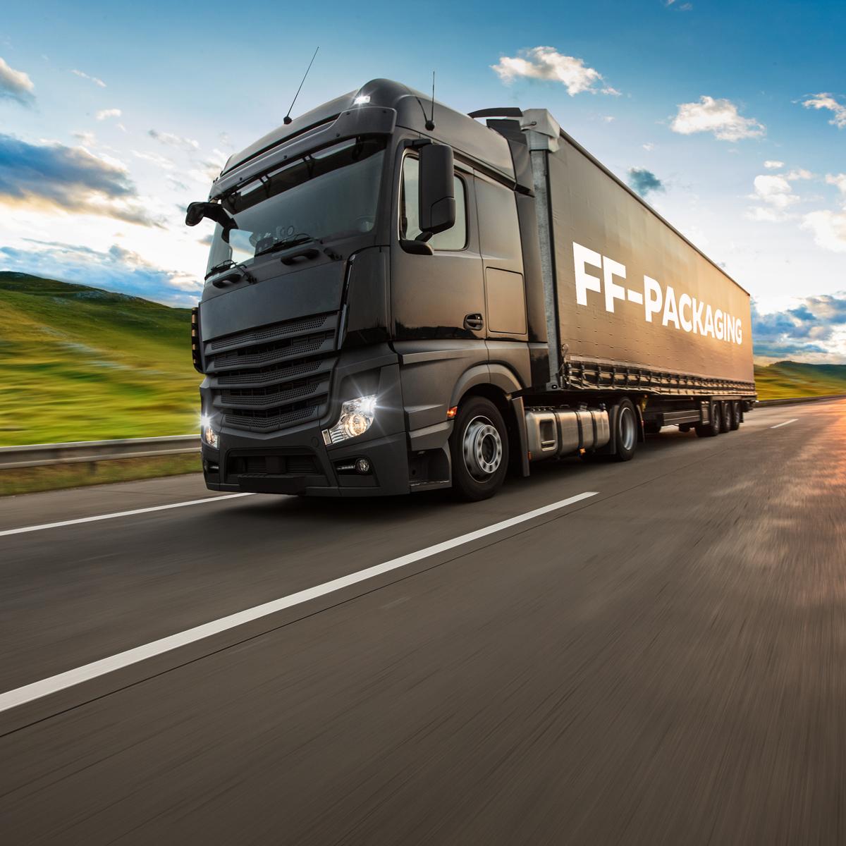 Logistiekpagina-vrachtwagenmetlogo