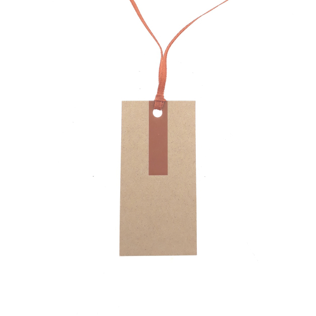 Hangtags met gekleurd lintje