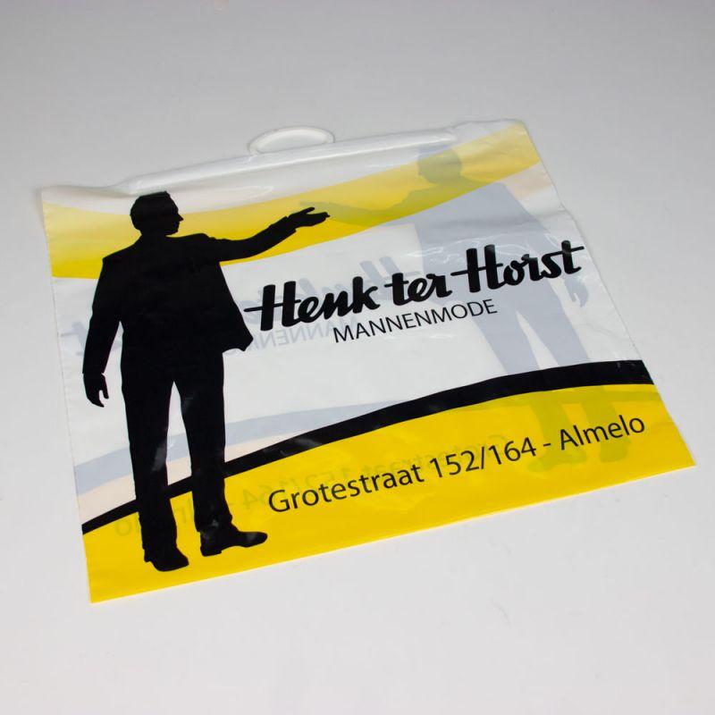plasticbeugeltas-plasticbagswithbrackethandle-Henkterhorst-2