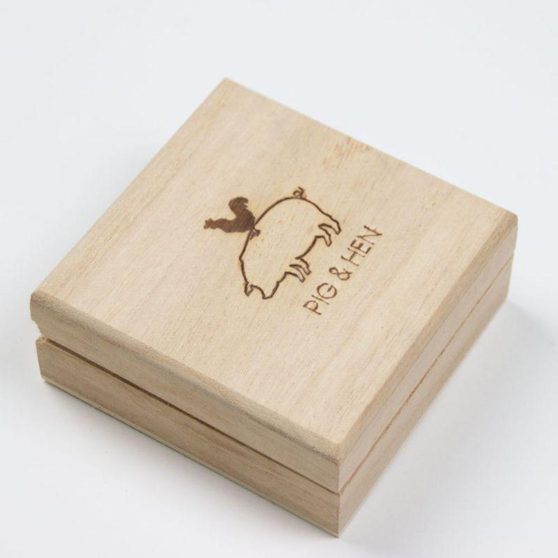 houtendoosjes-wooden-boxes-Pig-Hen-dicht