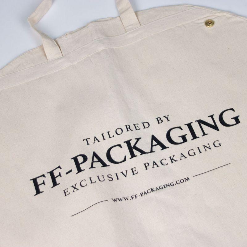 Kledinghoes-garmentbag-FFpackaging-detail-1-kopie