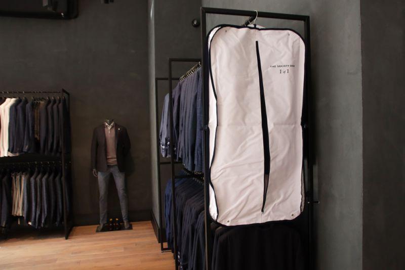 Kledinghoes-garmentbag-Thesocietyshop-wide-