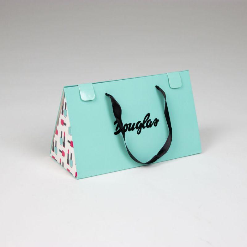 papierenKadotassen-papergiftbags-Douglas-1